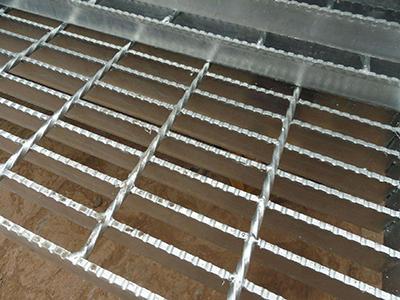 锯齿钢格板2