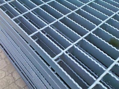 锯齿钢格板4