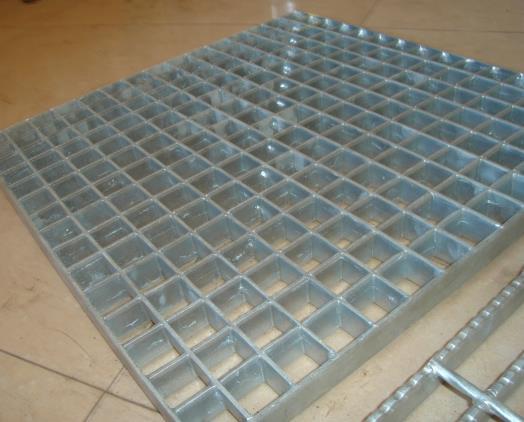 平台锯齿钢格板2.jpg